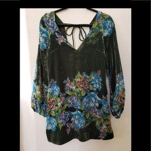 🆕💎Free People black velvet dress with floral